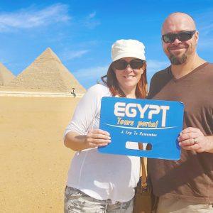 Half Day Pyramids Tour in Cairo